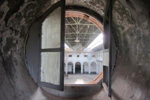 Vista interior de una de las naves desde la planta superior