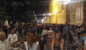 Masificación durante la Noche en Blanco (Foto: Alejandro Balbuena)