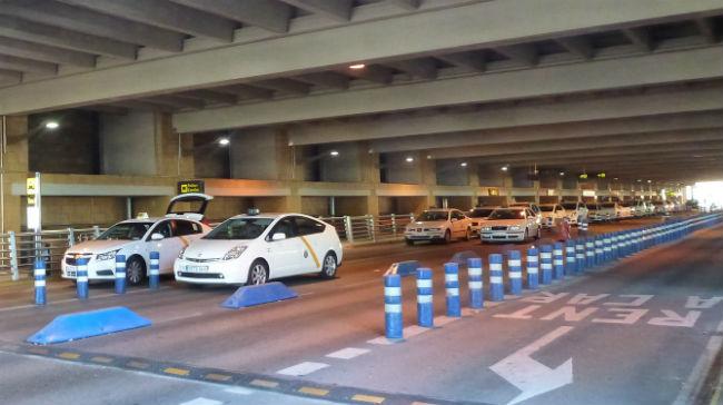 Para de taxis en el Aeropuerto de Sevilla