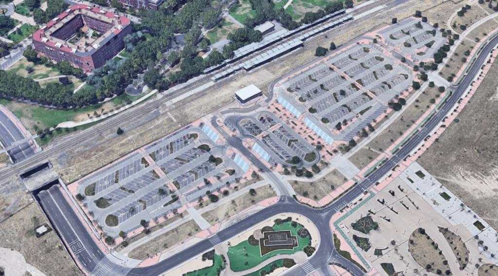Estación intermodal Cercanías-Metro con aparcamiento disuasorio en Getafe, Madrid. Imagen: Google Maps